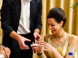 Asian-Wedding-Magician